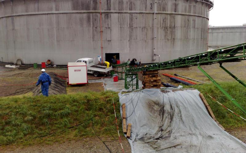 Convoyeur à bande Tecnitude - Chantier de dépollution hydrocarbure