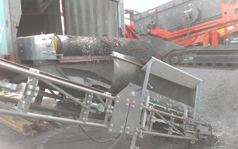 Convoyeur à bande Tecnitude transfert à plat largeur 2 mètres
