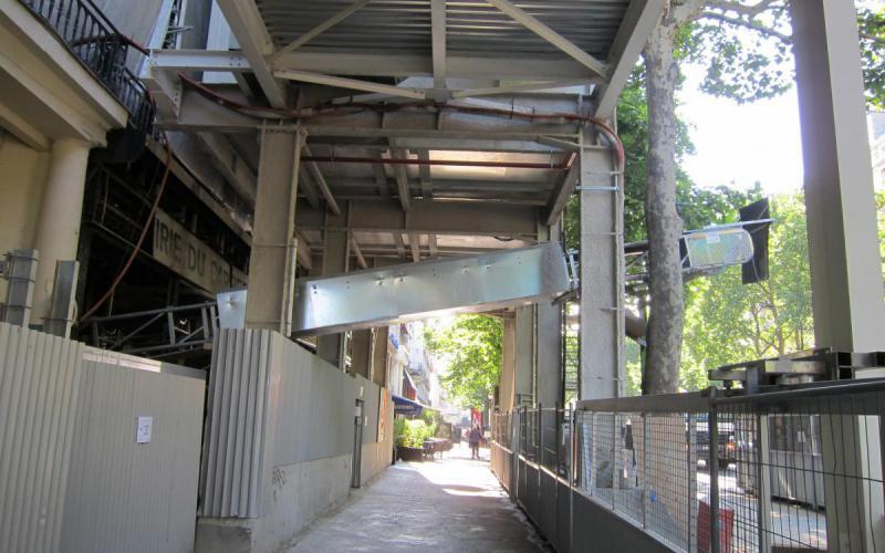 Convoyeur à bande Manukit Tecnitude pour un chantier BTP
