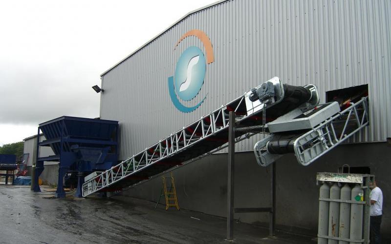 Convoyeur à bande Manukit Tecnitude - transport de ferrailles
