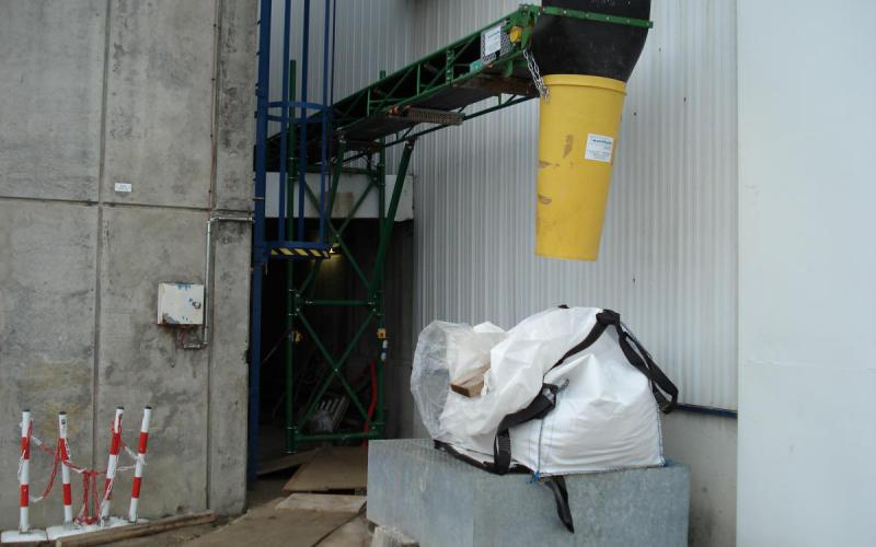 Cône de chantier sur un convoyeur à bande Tecnitude - Options