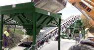 Trémie et convoyeur à bande Tecnitude pour le transport de kaolin