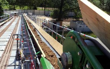100 mètres de convoyeurs à bande